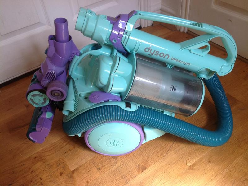 Dyson Dc11 Telescope Allergy Cylinder Vacuum Cleaner Green