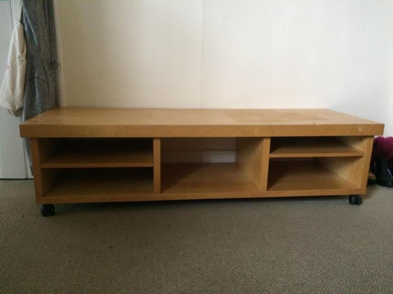ikea tv stand on wheels in bembridge expired wightbay. Black Bedroom Furniture Sets. Home Design Ideas