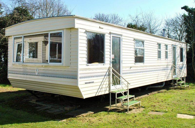 cheap static caravan for sale 12month season isle of wight