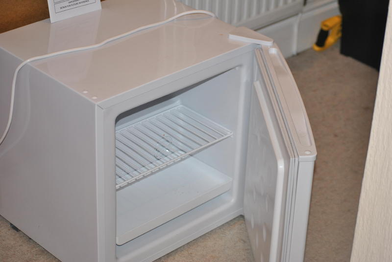 Russell hobbs table top freezer sandown wightbay for Table top freezer