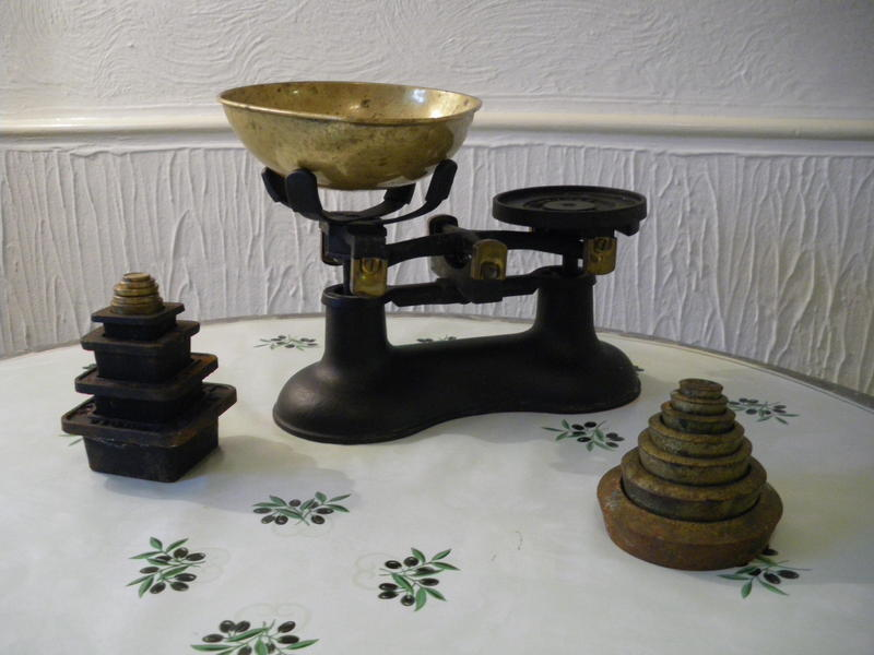 Traditional kitchen scales ventnor wightbay for Traditional kitchen scales