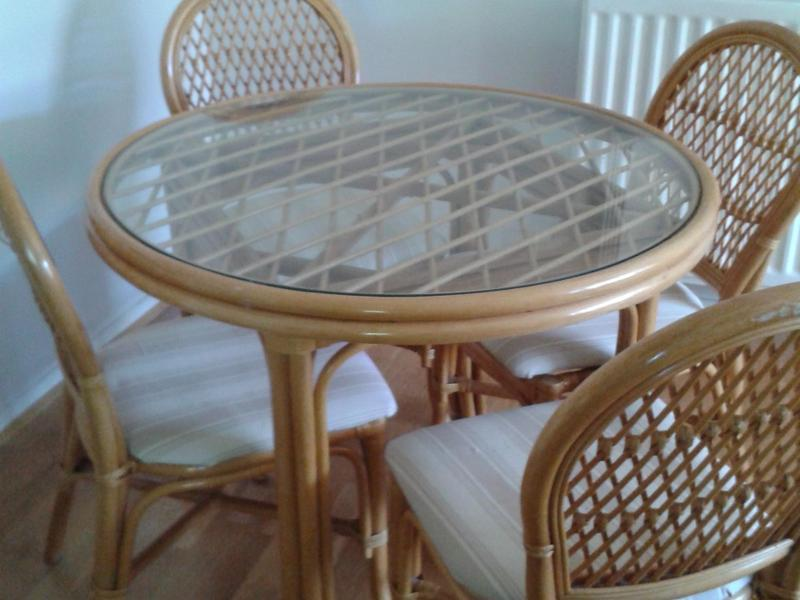 Patio Round Glass Top Table And 4 Chairs
