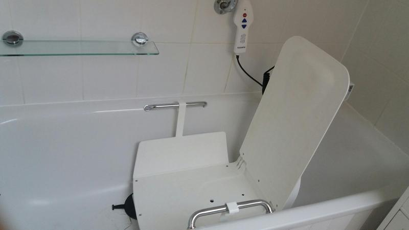 Awesome Aquatec Bath Chair Contemporary - The Best Bathroom Ideas ...