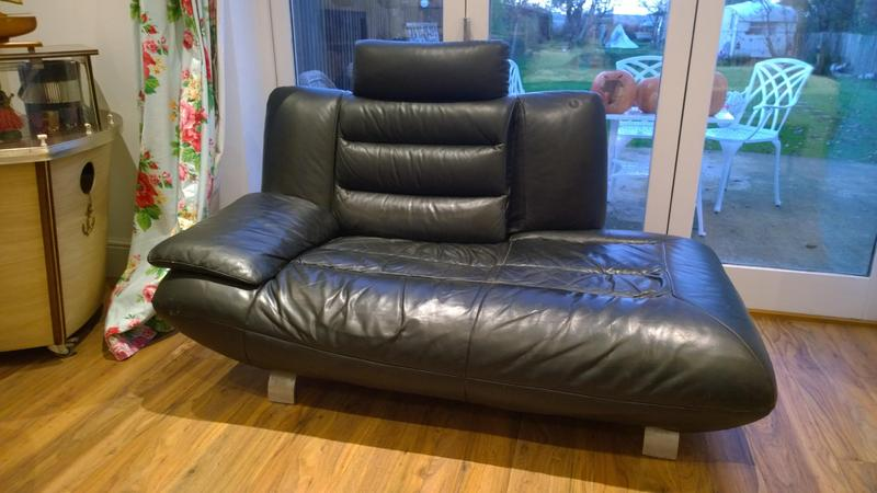70 S Style Black Leather Chaise Lounge 2 Seater Sofa 70