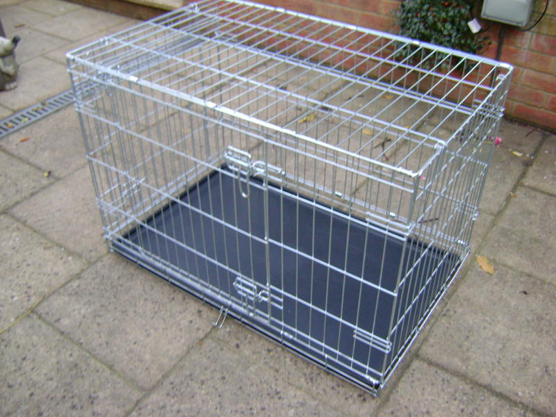 Medium size dog crate in newport wightbay for Dog crates for medium sized dogs
