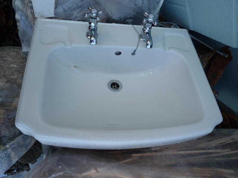 Bathroom Sink Taps : Bathroom sink and taps 48cm x 42 cm. Pedstal may be in tact. Having a ...