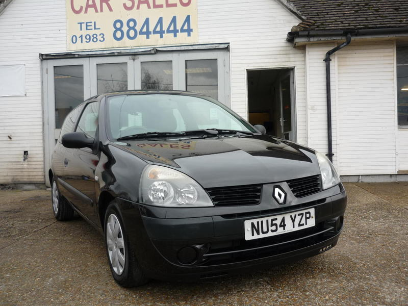 2004 Renault Clio Expression 1 4 16v Auto  U00a31 495 In Ryde