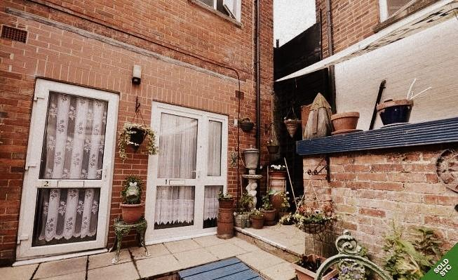 2 Bedroom Furnished Apartment For Rent In Cowes 650 Per Month Expired Wightbay Cowes