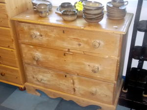 Chest of drawers £85 in Cowes