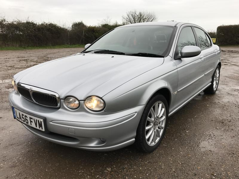 jaguar x type 2 0 diesel 2006 black leather in shanklin wightbay. Black Bedroom Furniture Sets. Home Design Ideas
