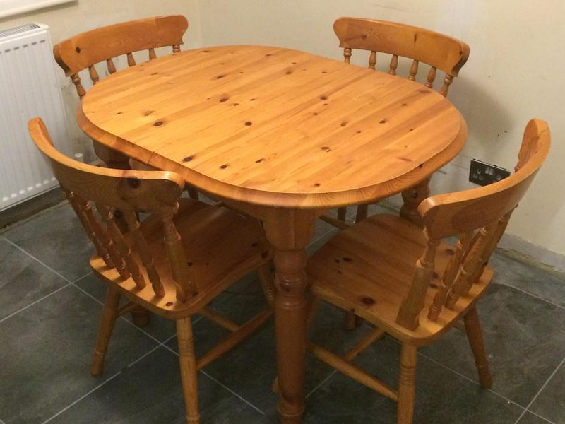 solid pine extendable table and 4 chairs in ryde wightbay