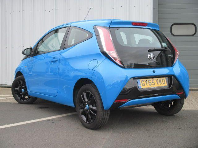 toyota aygo 2016 in sandown wightbay. Black Bedroom Furniture Sets. Home Design Ideas