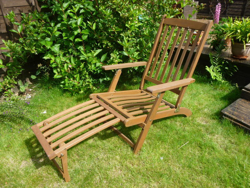 wooden sun lounger ryde sold wightbay. Black Bedroom Furniture Sets. Home Design Ideas