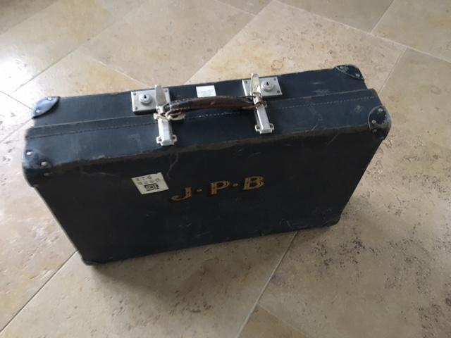 VINTAGE SUITCASE (Revelation) - Newport - Sold | Wightbay