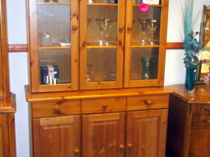 Pine lounge unit £95 in Cowes