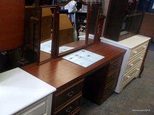 Dressing table with mirror £40 in Cowes