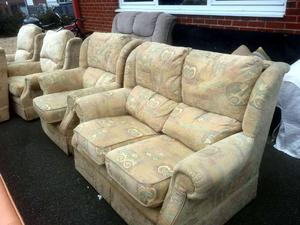 Small sofa & armchair £95 in Cowes